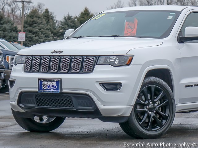 Pre-Owned 2017 Jeep Grand Cherokee Altitude